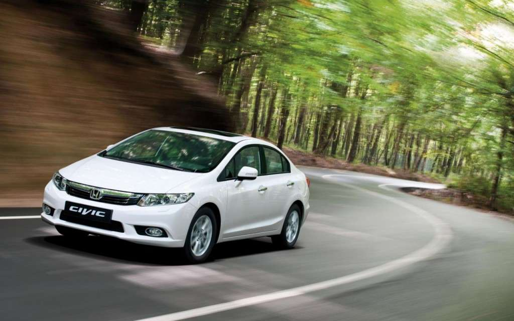 Honda Civic tre volumi anteriore