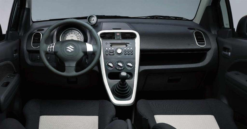 Suzuki Splash 2012 interno