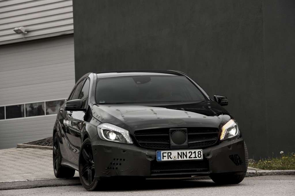 Mercedes A45 AMG teaser ufficiale frontale