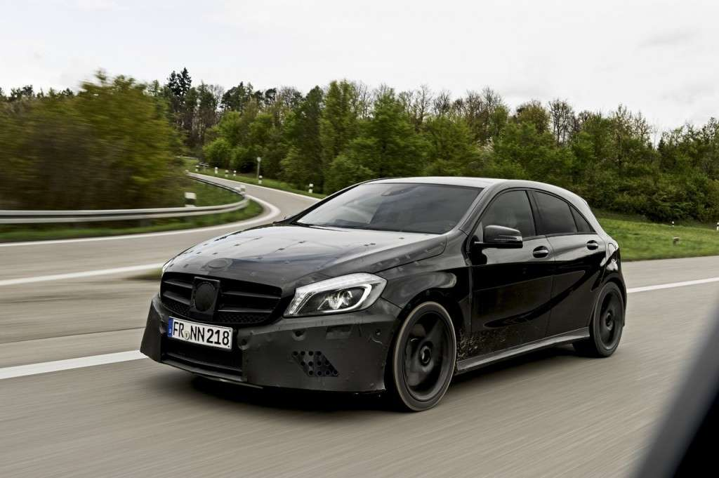 Mercedes A45 AMG teaser ufficiale