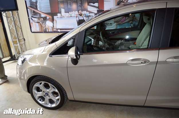 Ford B-Max, parte laterale