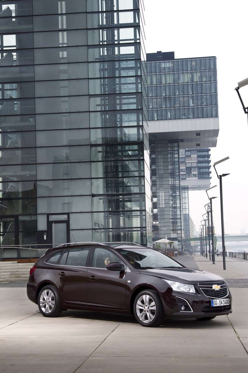 Chevrolet Cruze Station Wagon frontale (9)