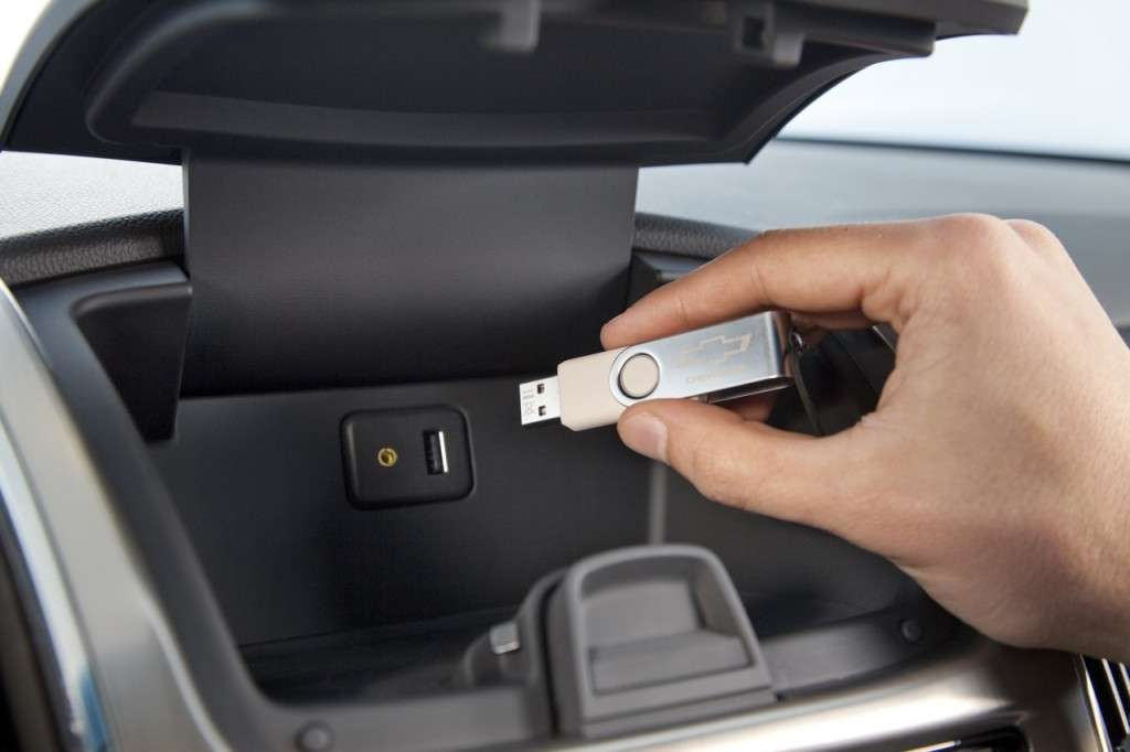 Chevrolet Cruze Station Wagon ingresso USB
