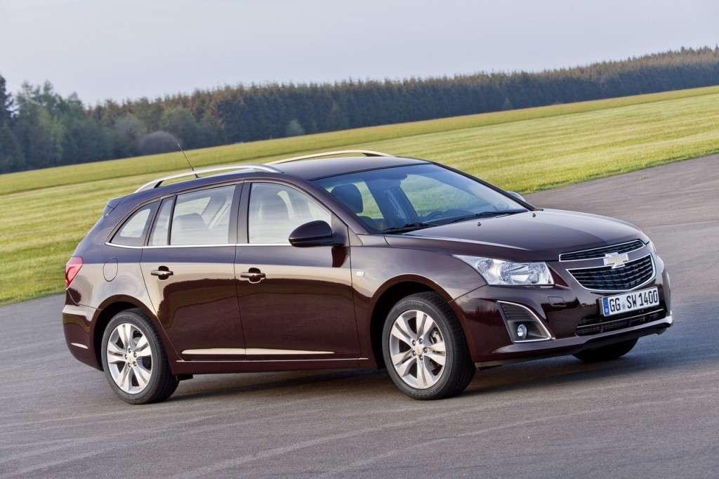 Chevrolet Cruze Station Wagon laterale (3)