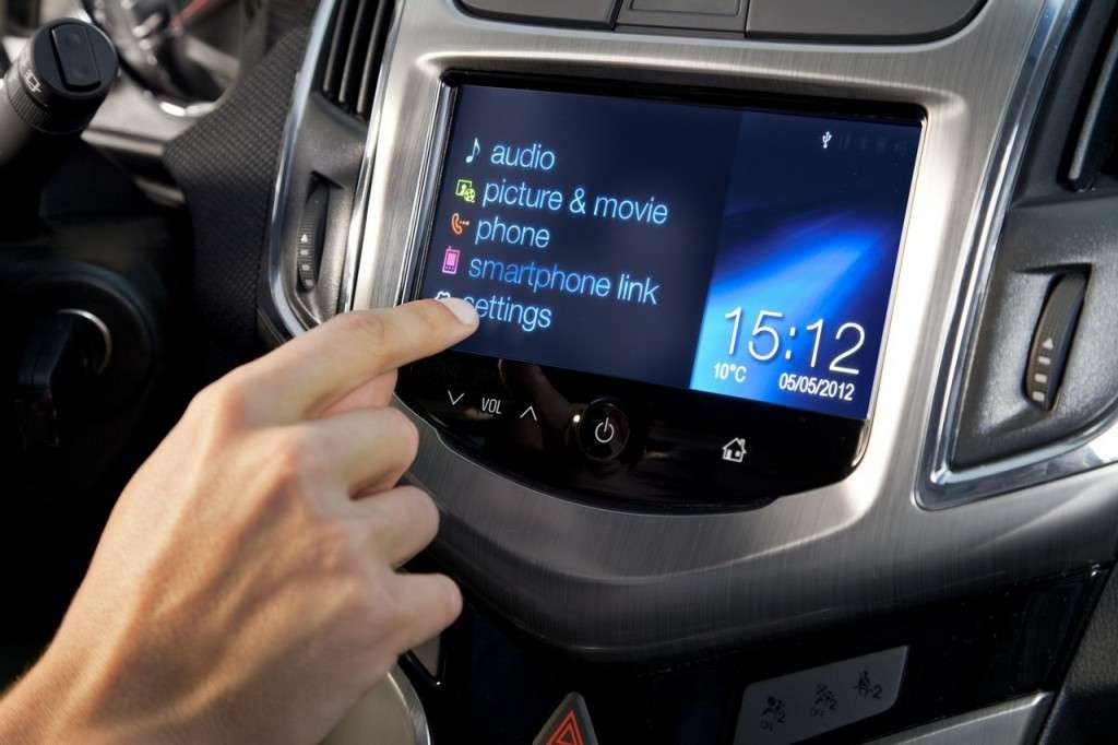 Chevrolet Cruze Station Wagon schermo touch screen