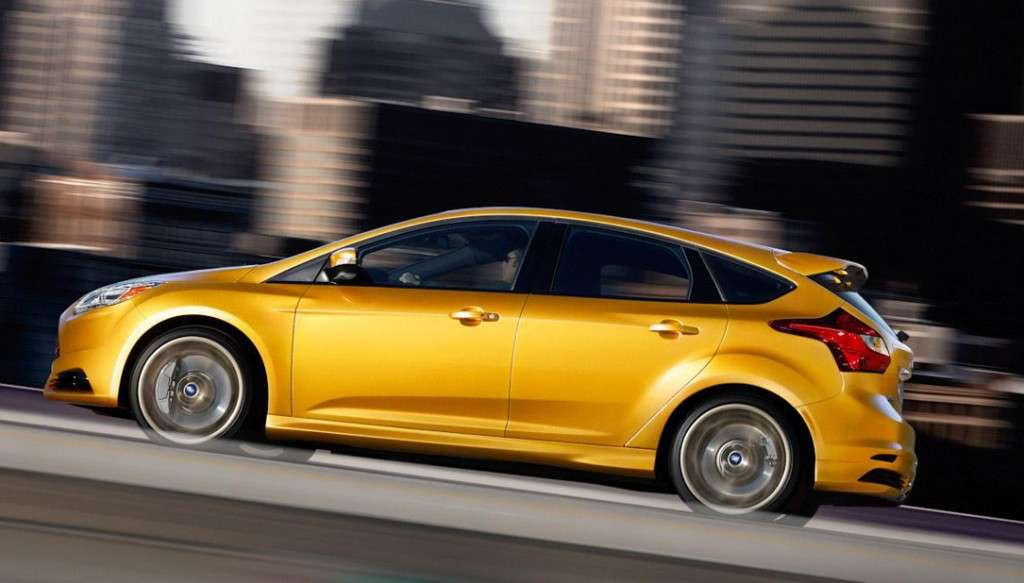 Ford Focus ST - laterale hatchback