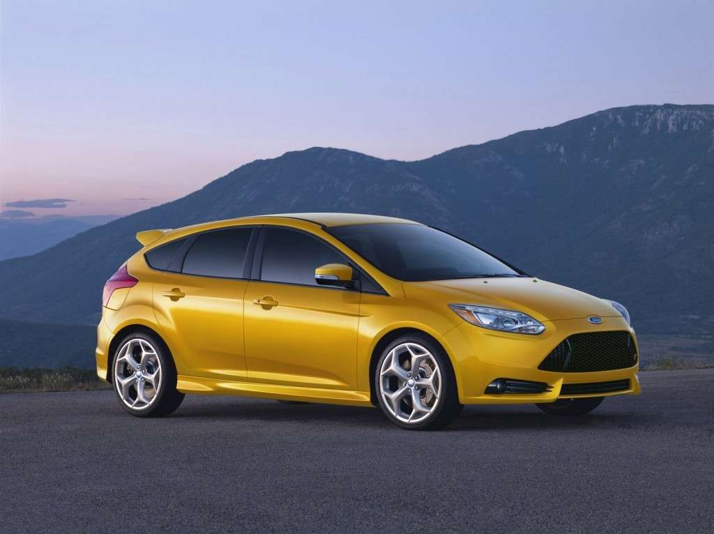 Ford Focus ST - laterale hatchback (2)