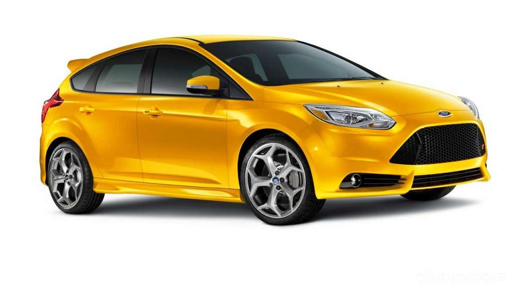Ford Focus ST - laterale hatchback (3)