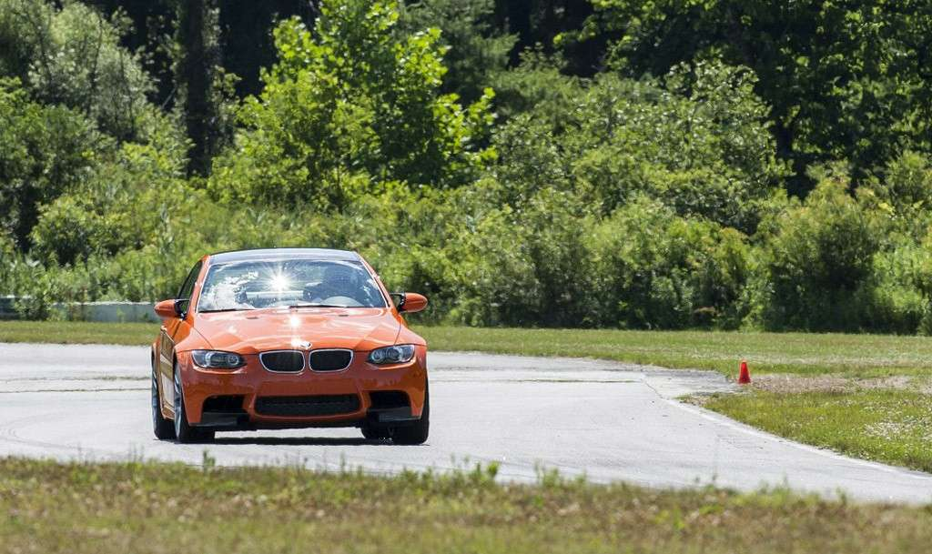 BMW M3 Lime Rock Park - frontale (3)