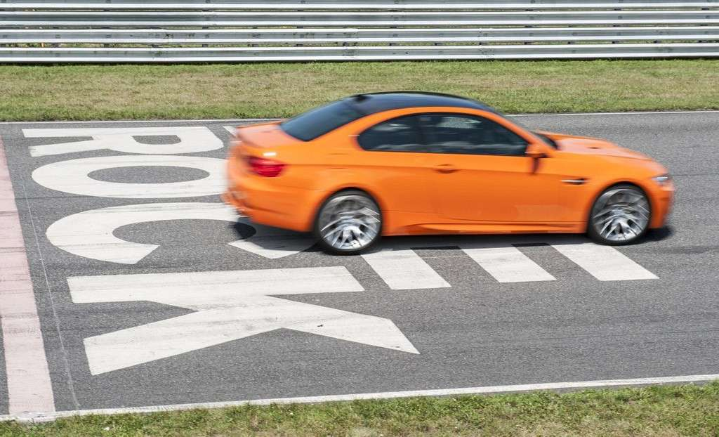 BMW M3 Lime Rock Park - laterale (2)