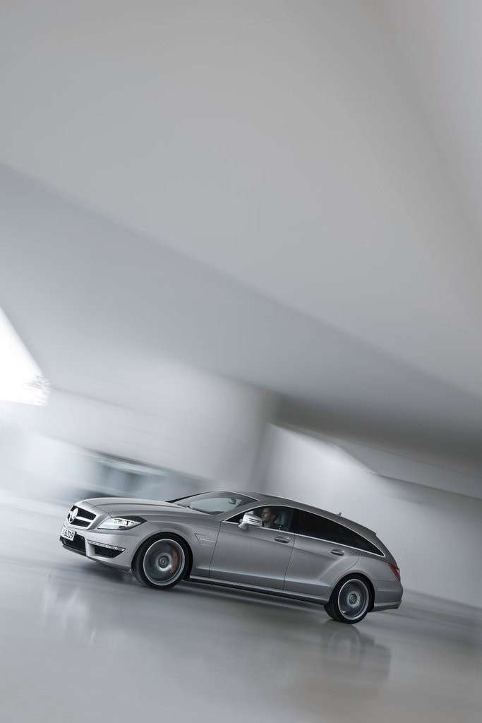 Mercedes CLS 63 AMG Shooting Brake vista laterale
