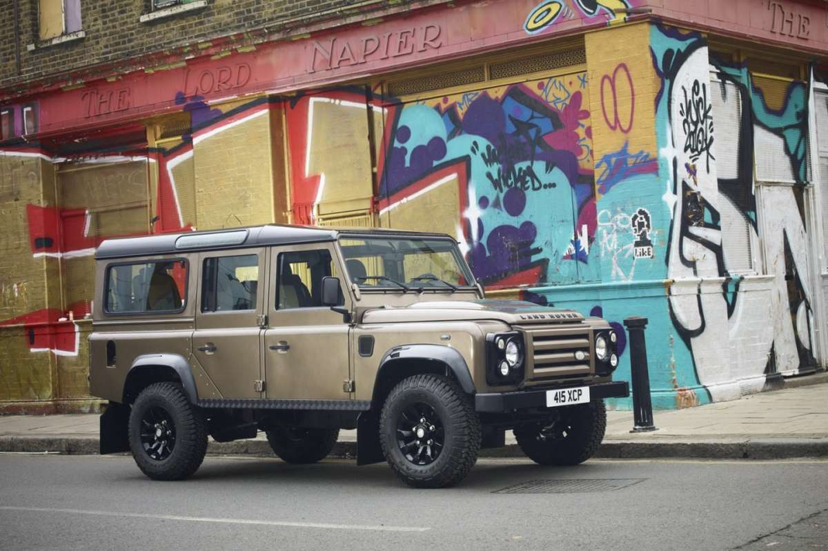 Land Rover Defender XTech - laterale (3)