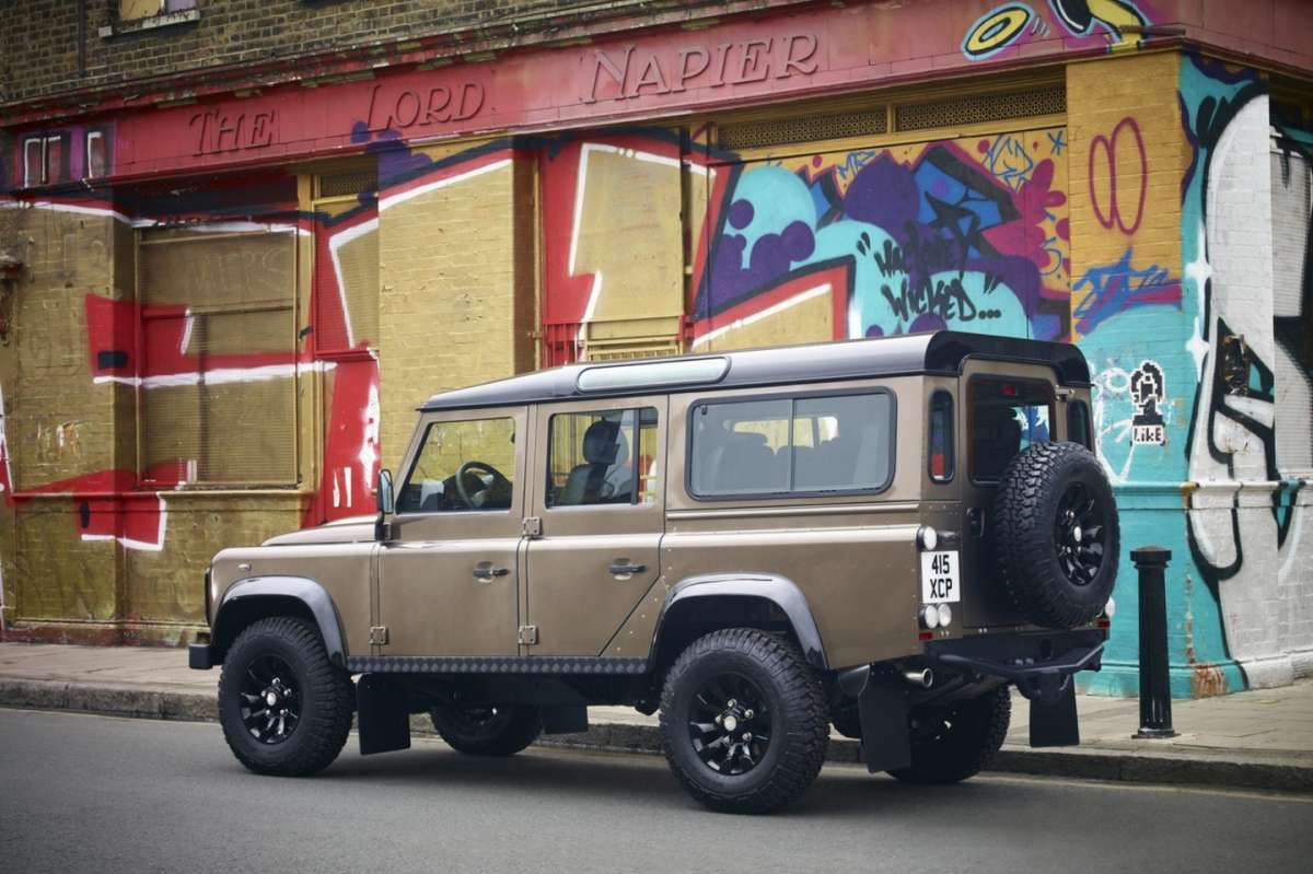 Land Rover Defender XTech - laterale (4)