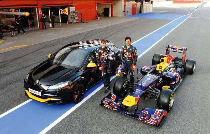 Renault Mégane RS Red Bull RB7 con i piloti Red Bull