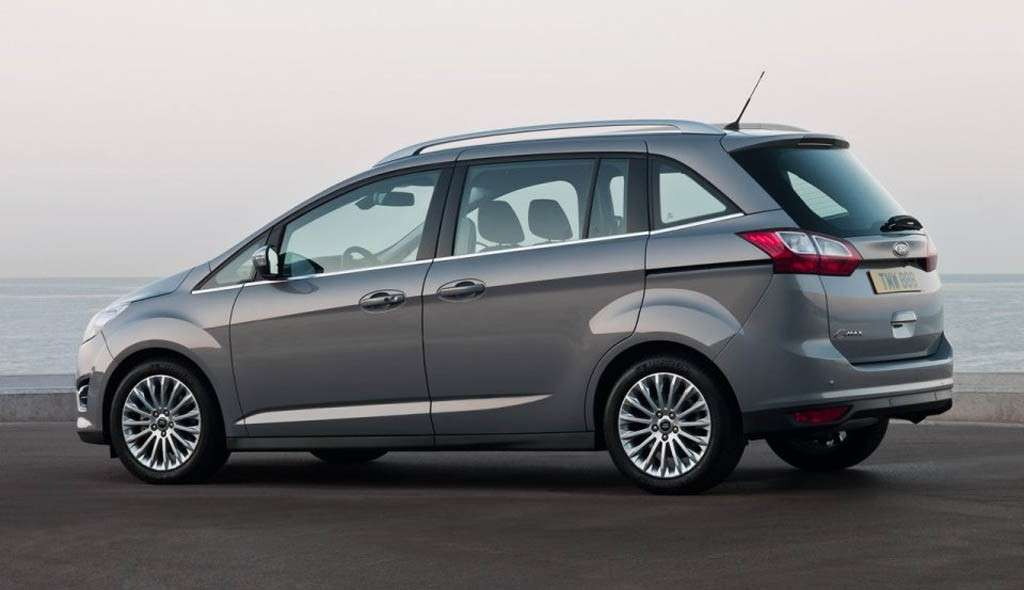 Ford C-Max 7 posti laterale