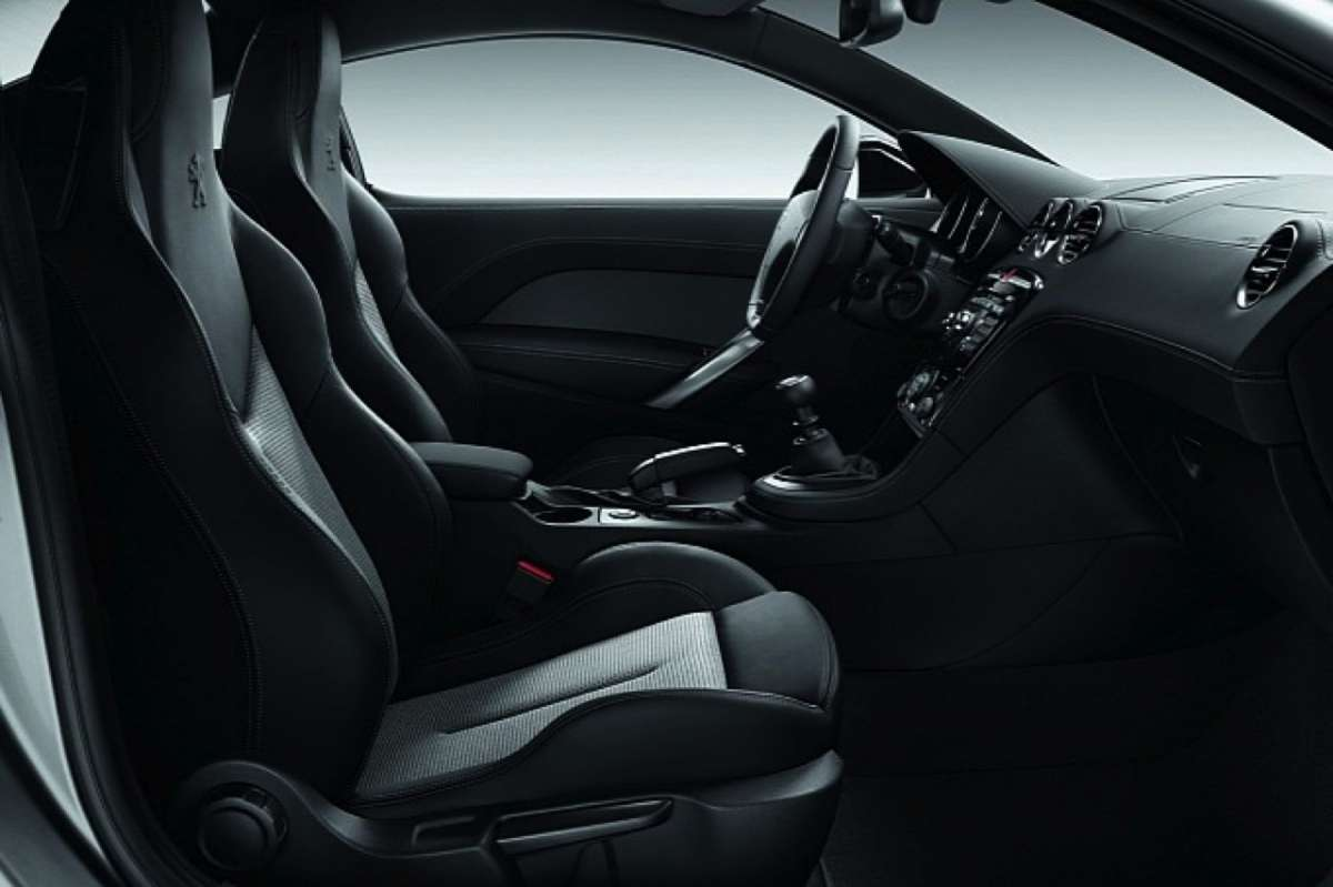 Peugeot RCZ Onyx Limited Edition interni