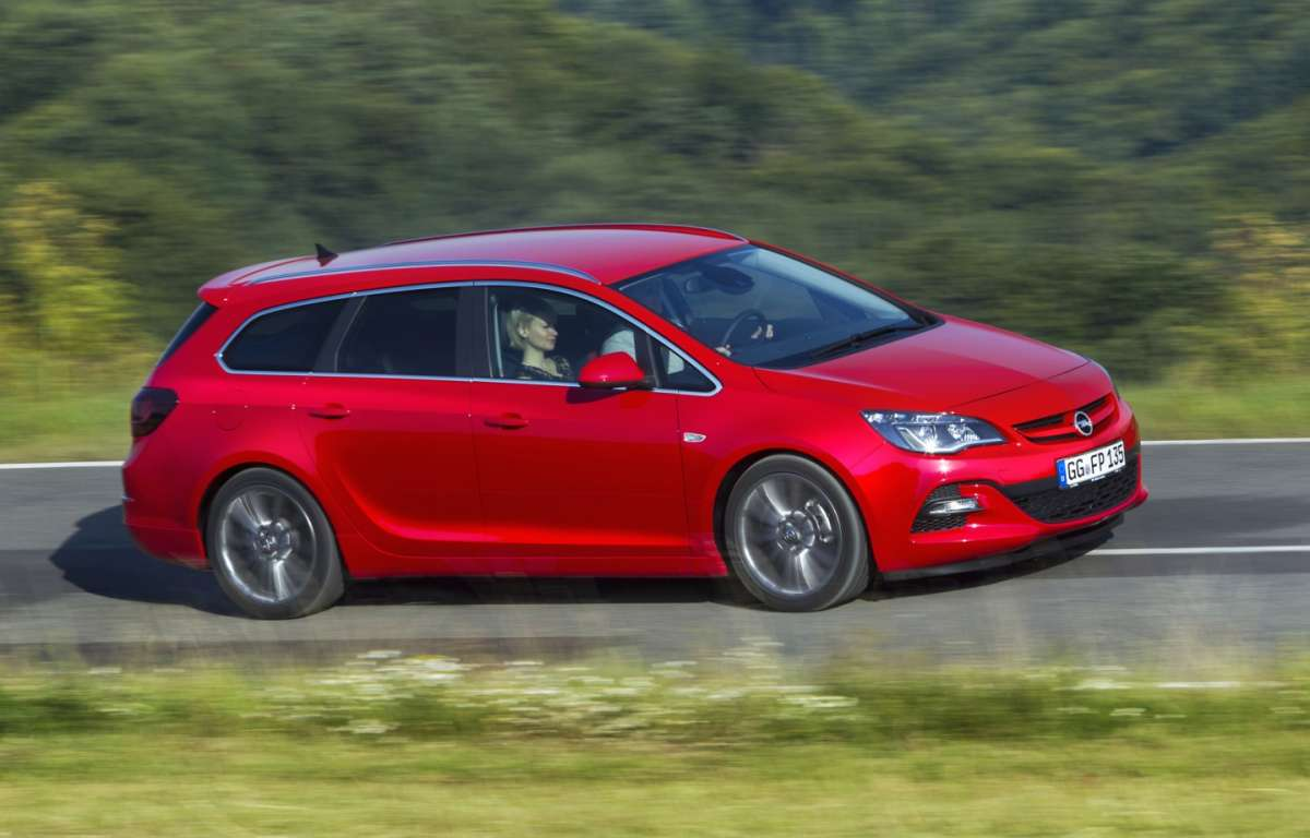 Opel Astra BiTurbo Sports Tourer