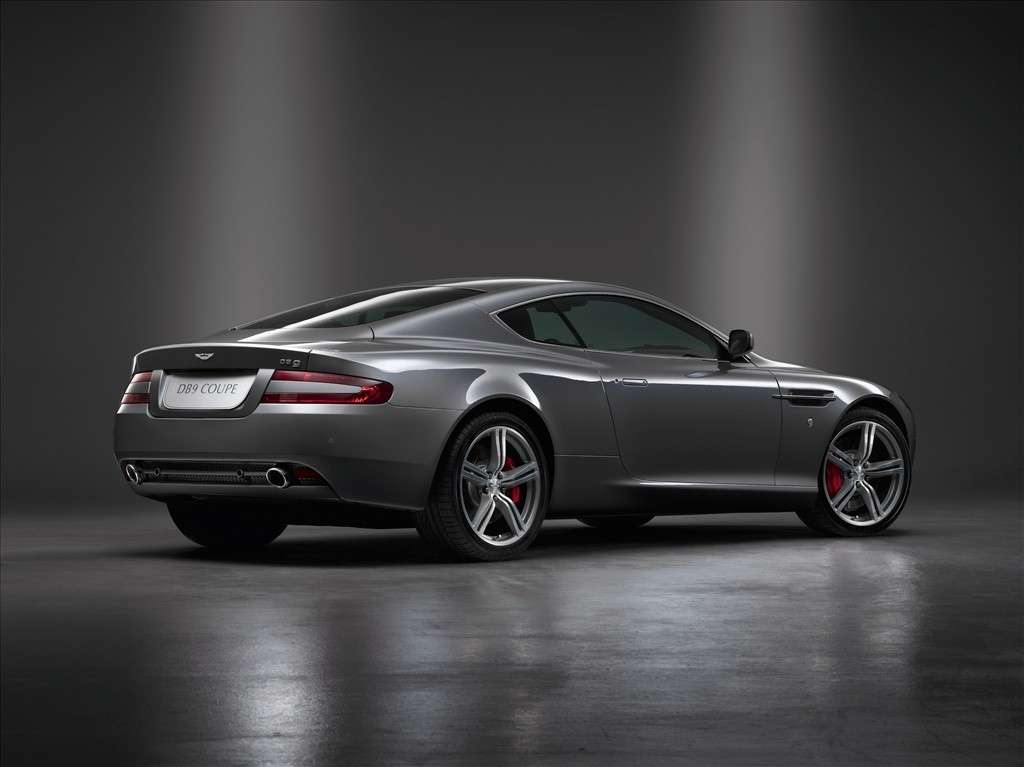 Aston Martin DB9 Coupè