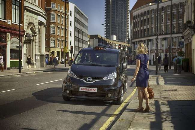 Nissan NV200 Taxi Londra 2013 frontale