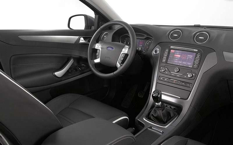 ford mondeo station wagon 2012 restyling foto 4 12 allaguida. Black Bedroom Furniture Sets. Home Design Ideas