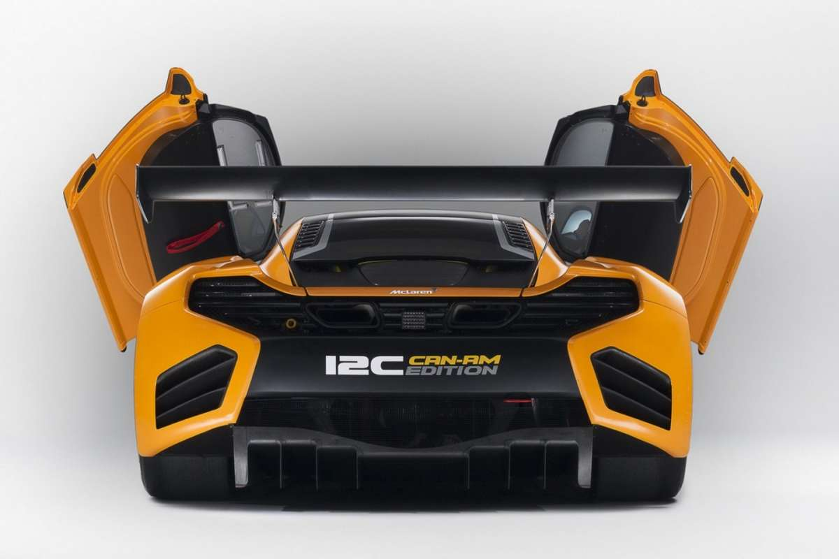 McLaren MP4-12C Can-Am Edition  - posteriore porte aperte