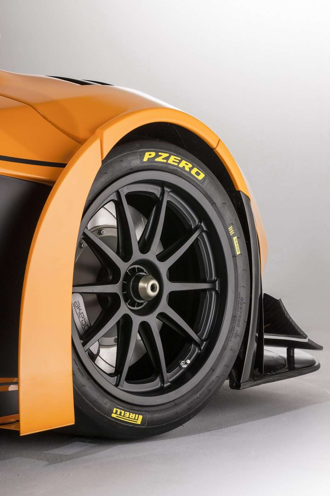 McLaren MP4-12C Can-Am Edition  - cerchi