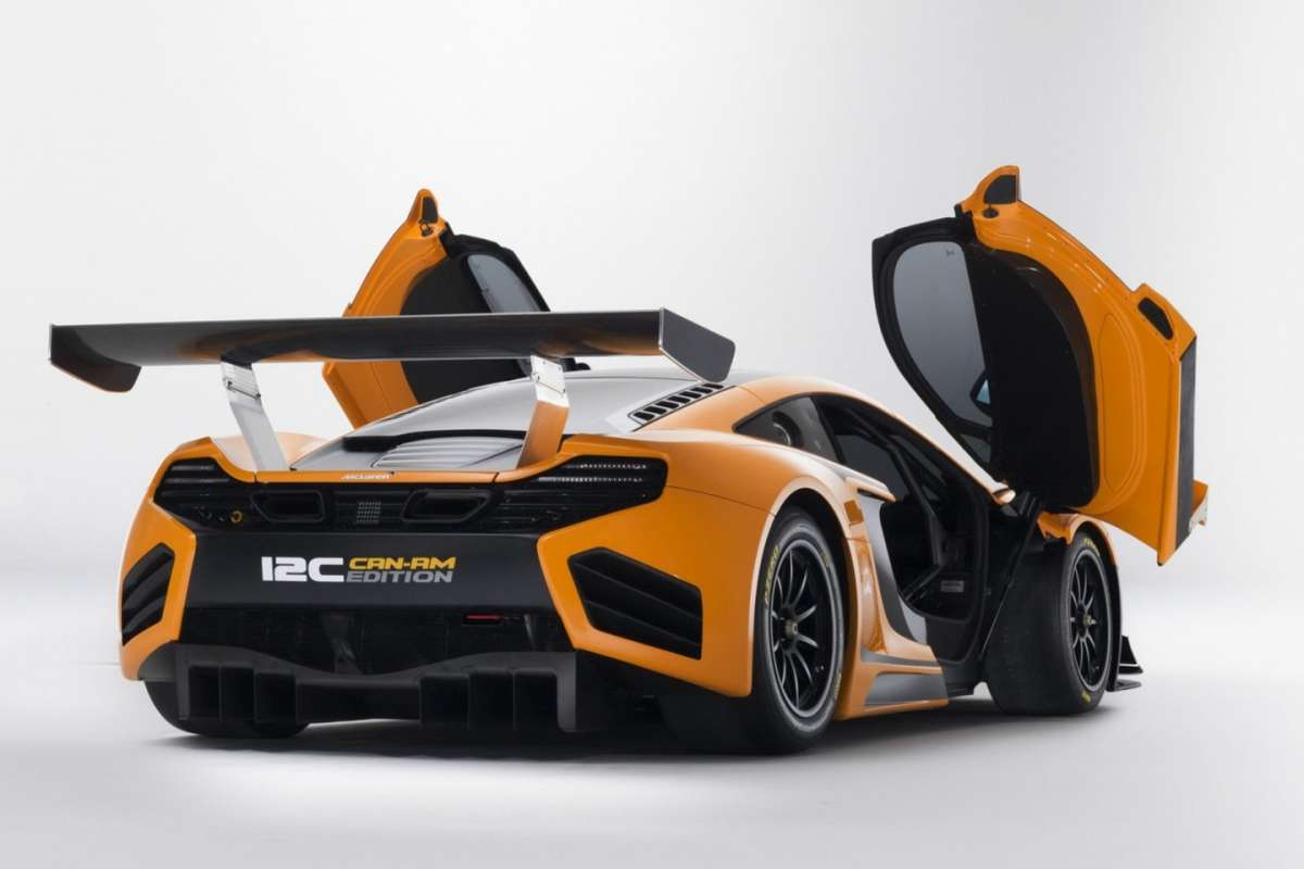 McLaren MP4-12C Can-Am Edition  - posteriore porte aperte (2)