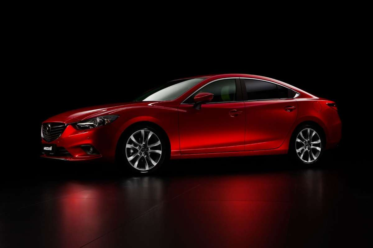 Mazda 6 laterale frontale
