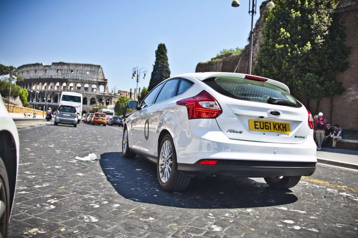 Ford Focus elettrica SYNC Ford Touch posteriore