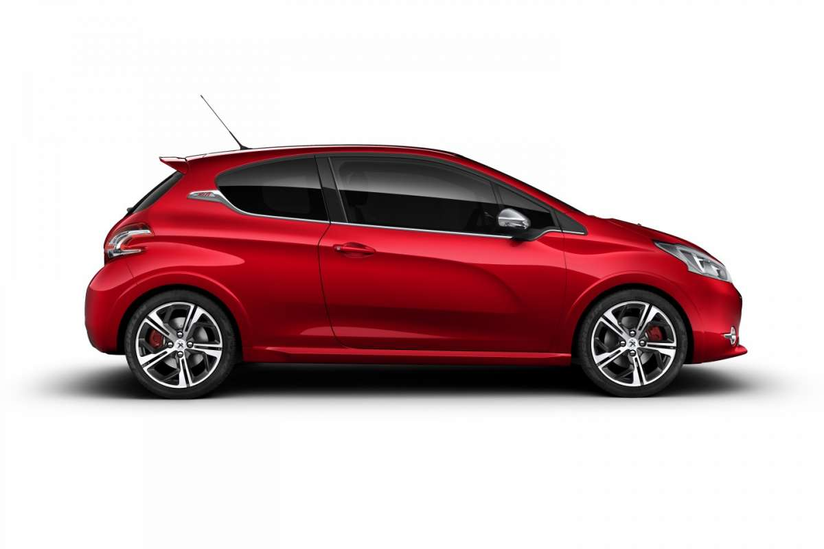 Peugeot 208 GTI - rossa laterale
