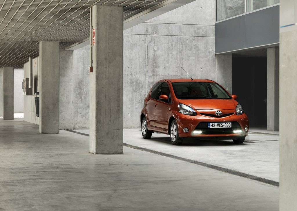 Toyota Aygo 2012 Connect davanti