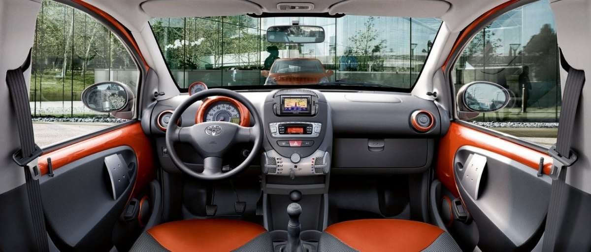 Toyota Aygo 2012 Connect plancia