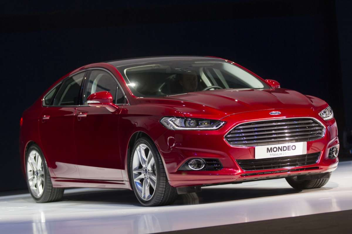 Ford Mondeo 2013 anteprima frontale