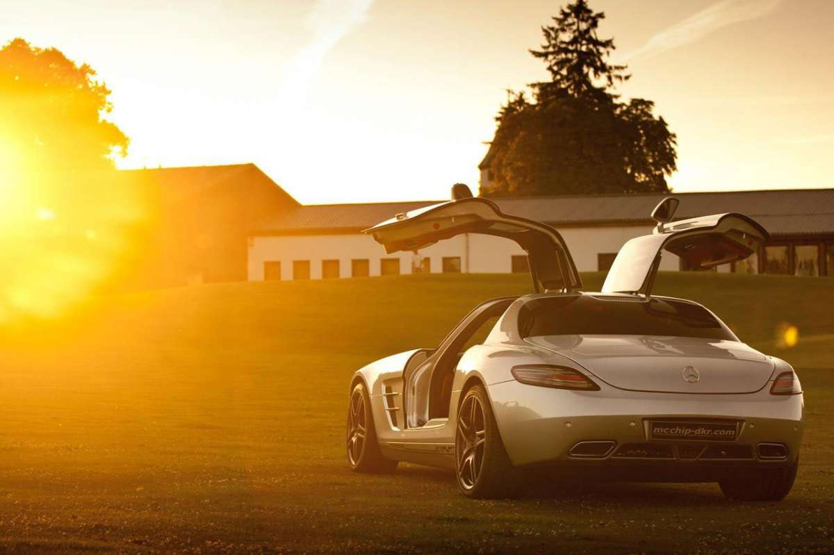 Mercedes SLS AMG MC700 by McChip retro