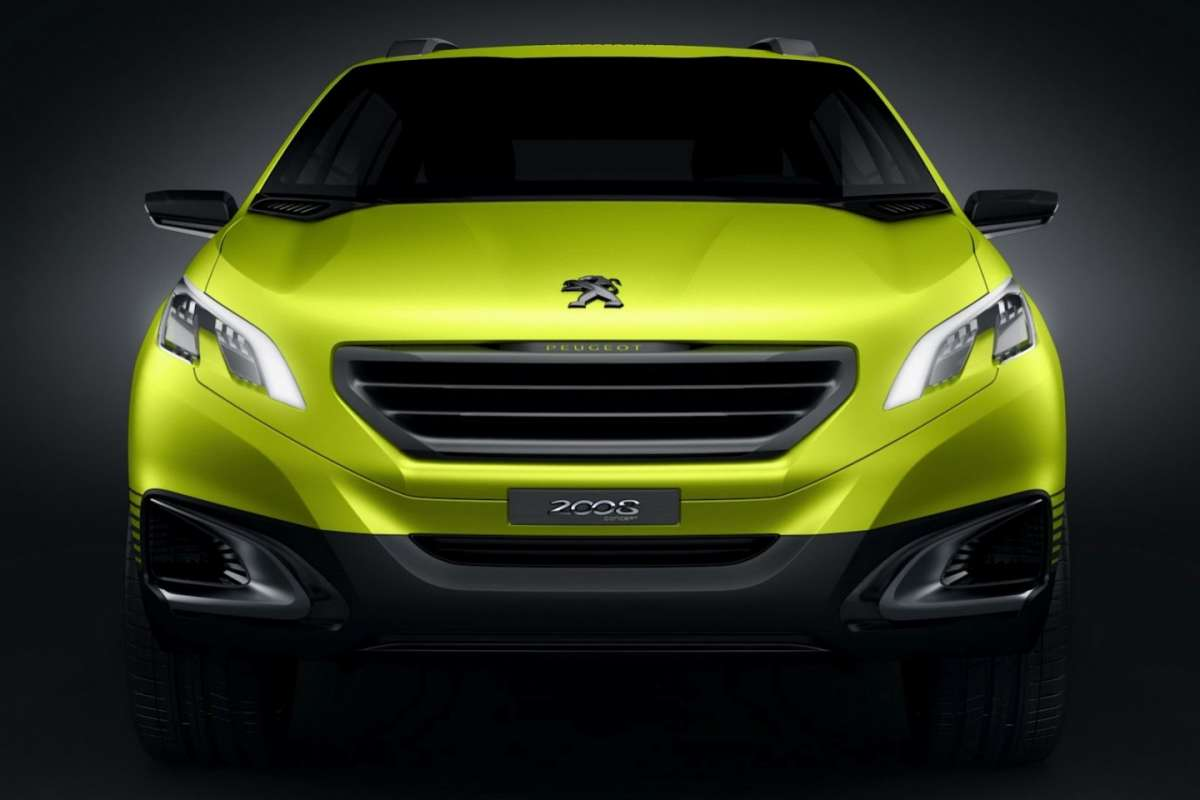 Peugeot 2008 Concept-frontale gialla