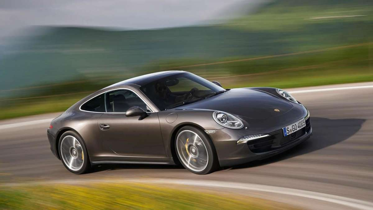 Porsche 911 Carrera 4-laterale