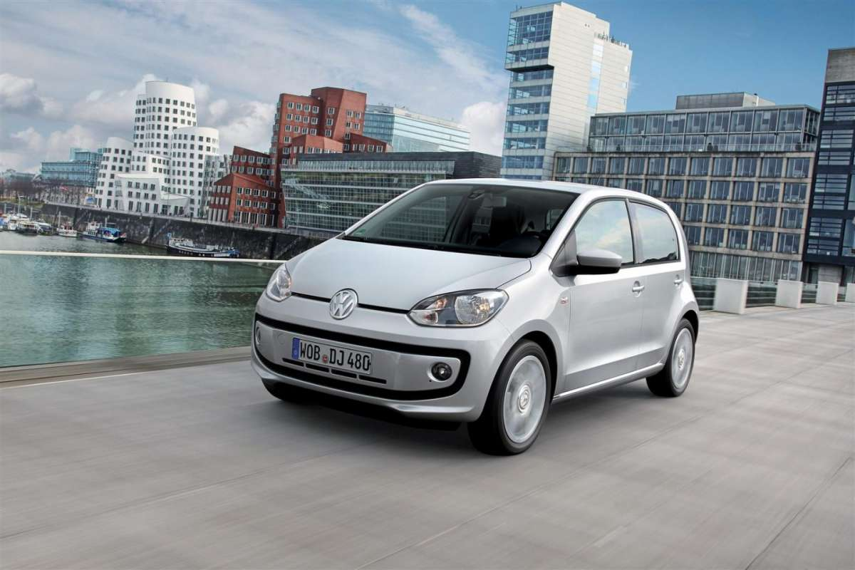 Volkswagen Up! cambio automatico ASG frontale