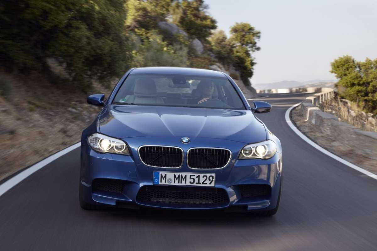 BMW M5 F10 frontale