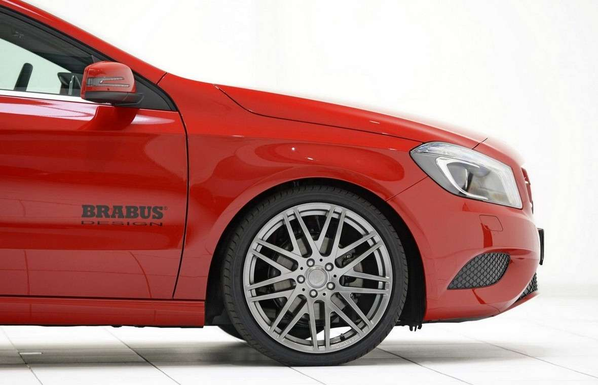 Mercedes Classe A 2012 by Brabus-vista laterale frontale