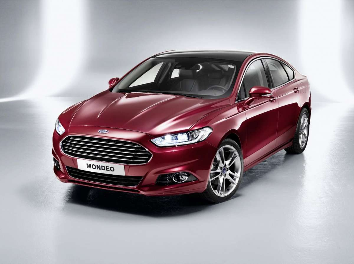 Ford Mondeo 2012, frontale