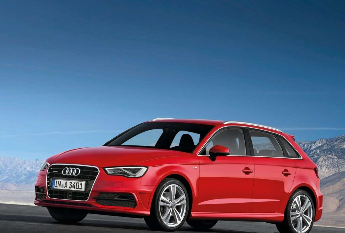 Audi A3 Sportback S-Line-laterale frontale rossa