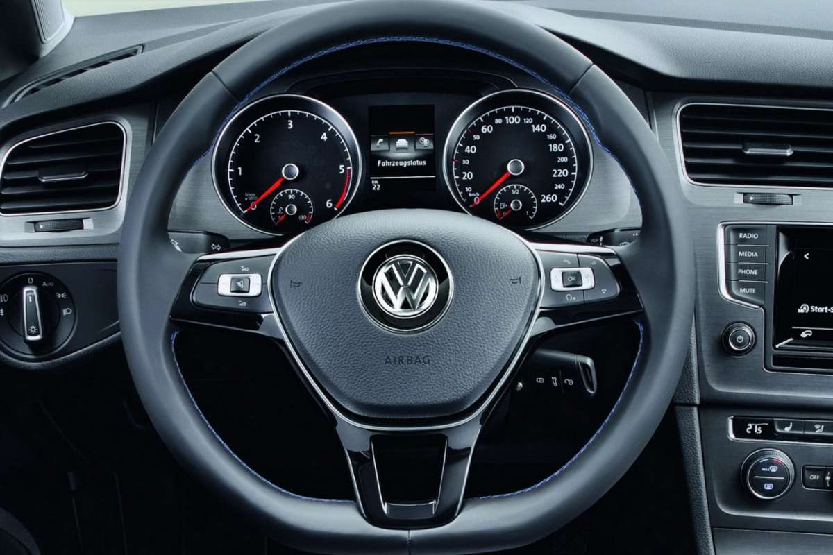 Volkswagen Golf 7 BlueMotion Concept volante