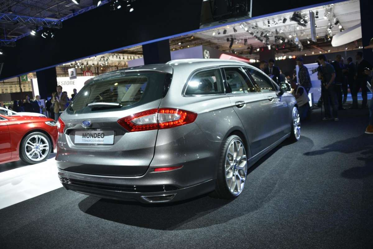 Ford Mondeo station wagon, Salone di Parigi 2012 (3)