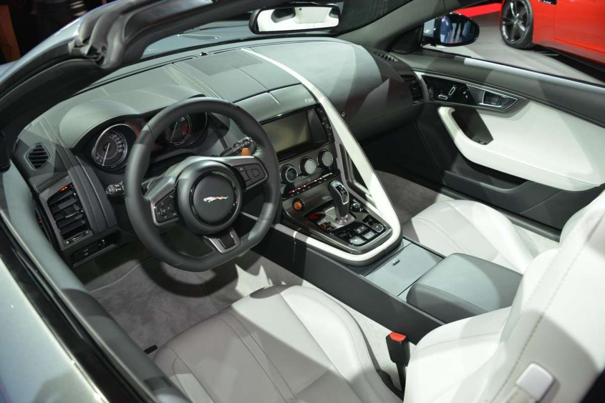 Jaguar F-Type, Salone di Parigi (5)