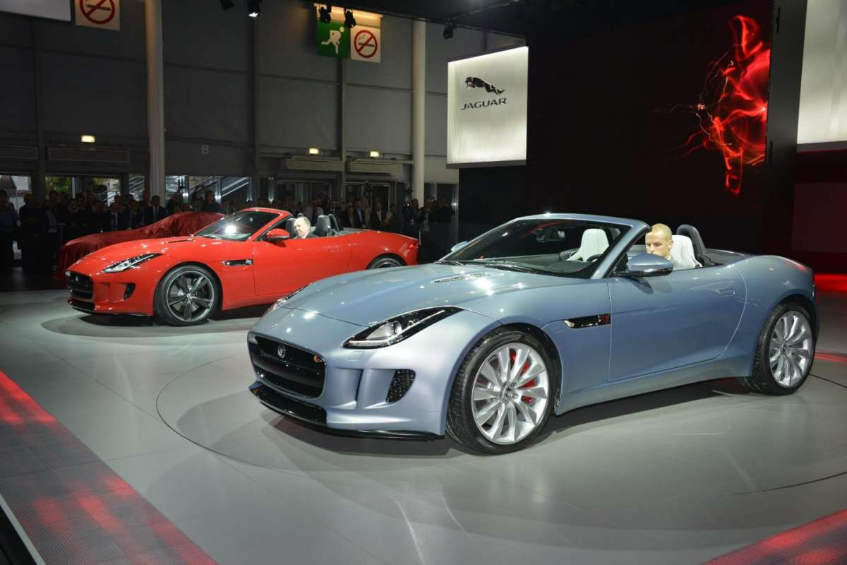Jaguar F-Type, Salone di Parigi (7)