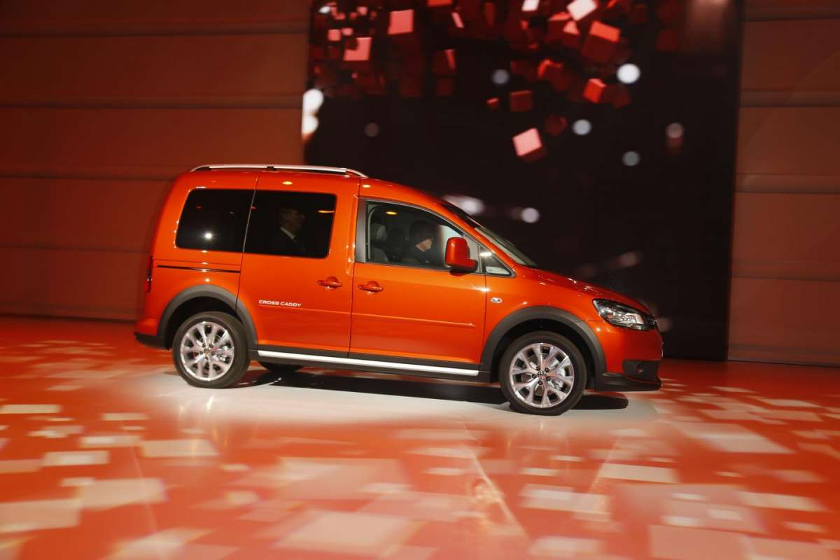 Volkswagen Cross Caddy, Salone di Parigi 2012 (2)