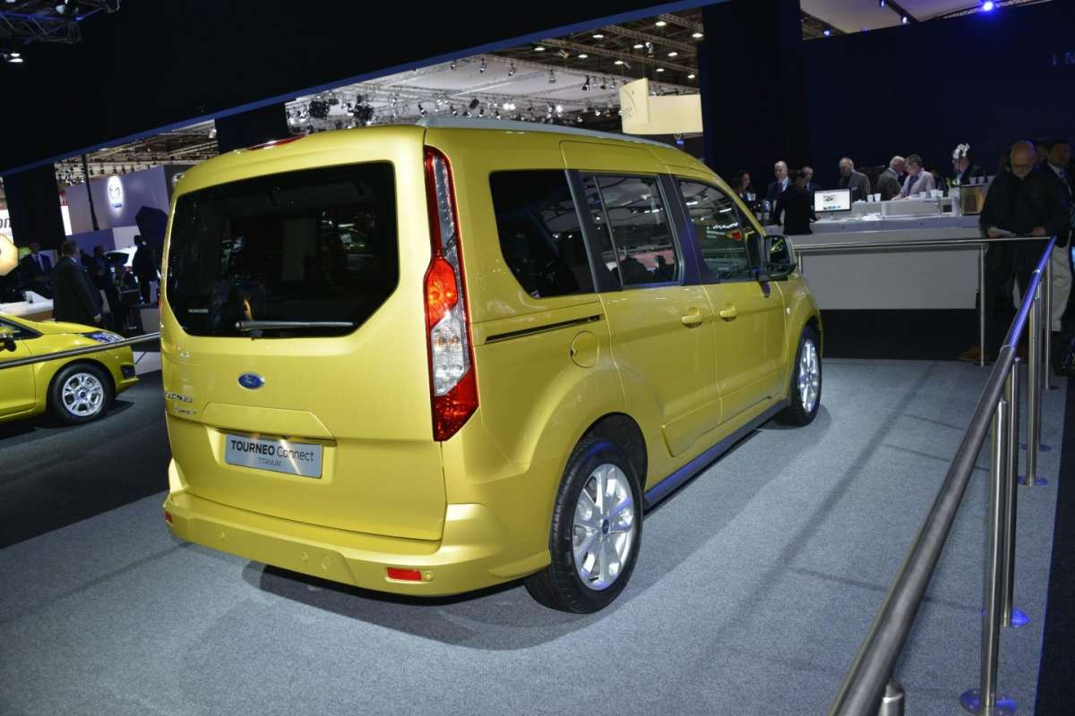 Ford Tourneo, Salone di Parigi 2012 (2)