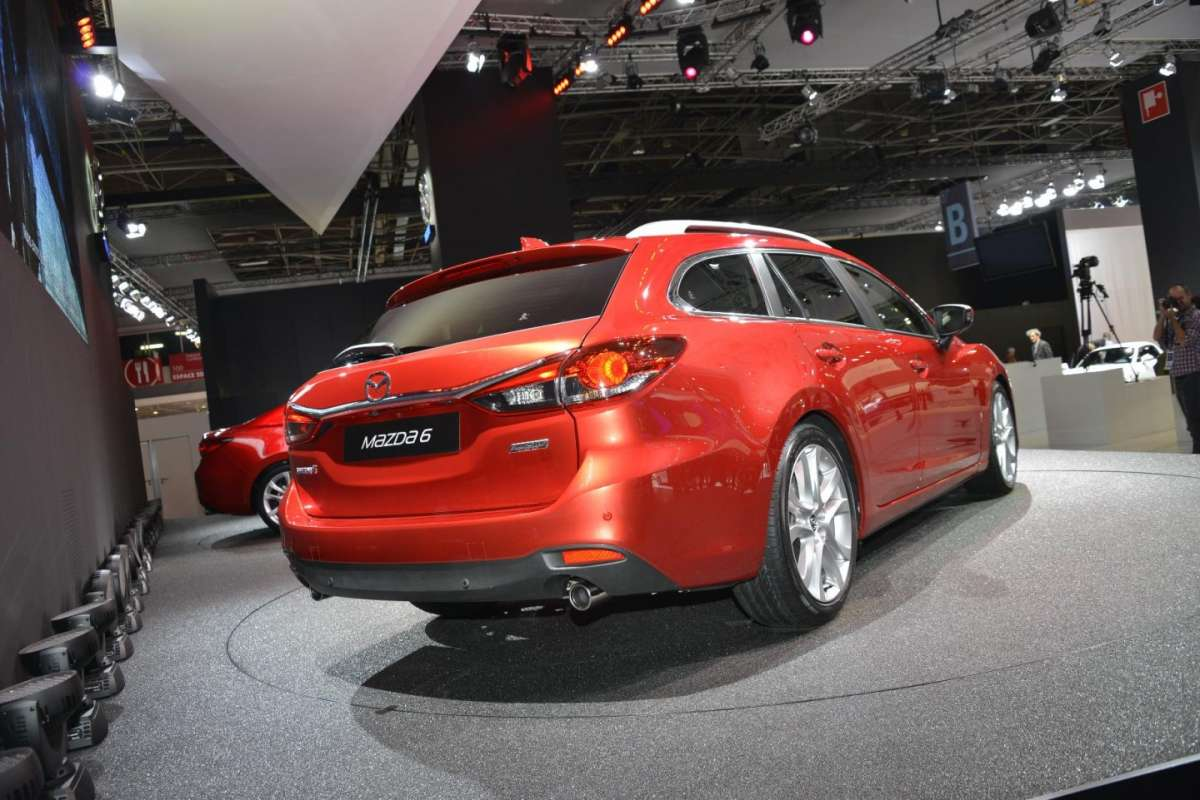 Mazda 6 station wagon, Salone di Parigi 2012