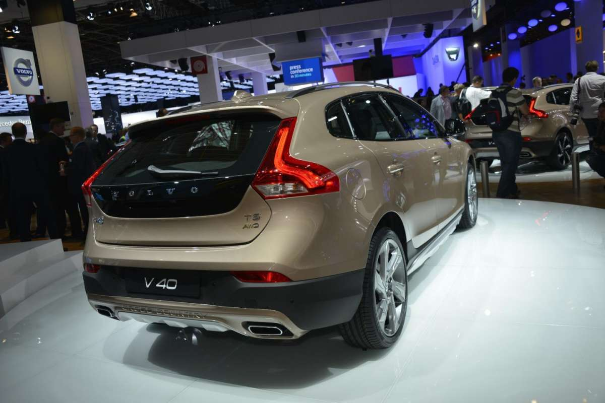 Volvo V40 Cross Country, Salone di Parigi 2012 (2)