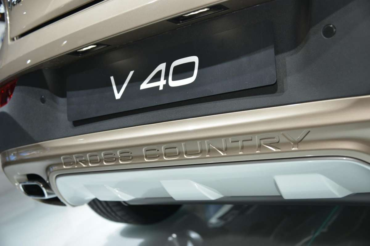 Volvo V40 Cross Country, Salone di Parigi 2012 (3)